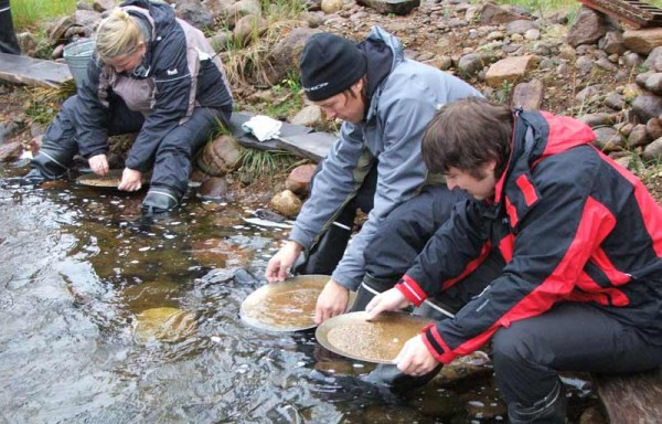 Gold panning & Sami culture at Lemmenjoki