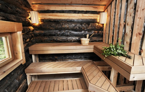 Traditional wood heated sauna & hot tub