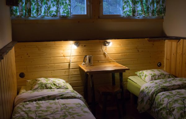 Forest side smaller Northern window room