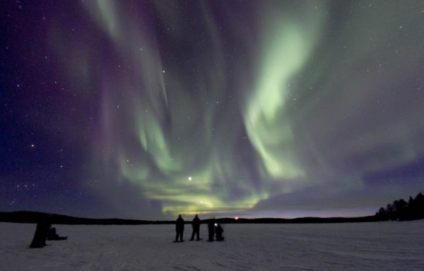 Hunting for Aurora by snowshoeing